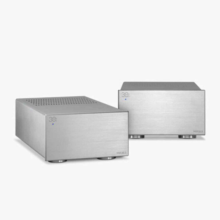 AVM MA 30.3 Verstärker Silbern vor weißem hintergrund